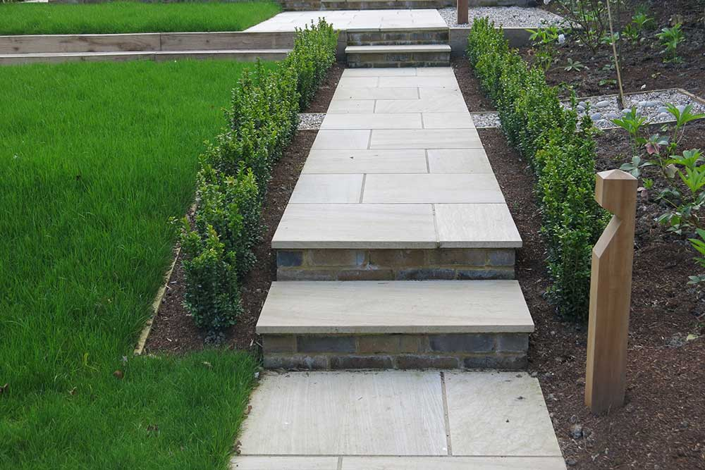https://greenardendesign.com/wp-content/uploads/2019/09/Garden-levels-dorking-5.jpg
