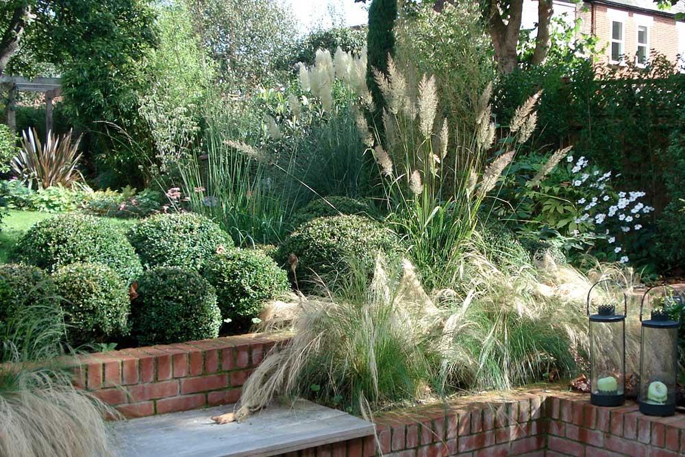 https://greenardendesign.com/wp-content/uploads/2019/09/Large-Garden-Kingston-1.jpg