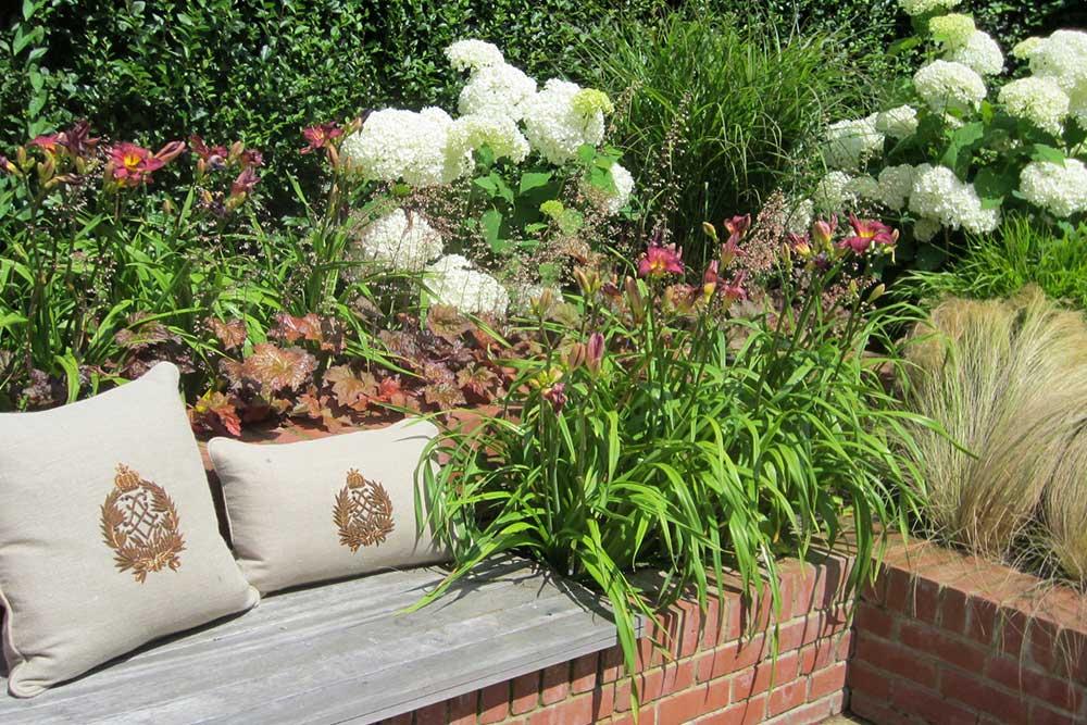 https://greenardendesign.com/wp-content/uploads/2019/09/Large-Garden-Kingston-3.jpg