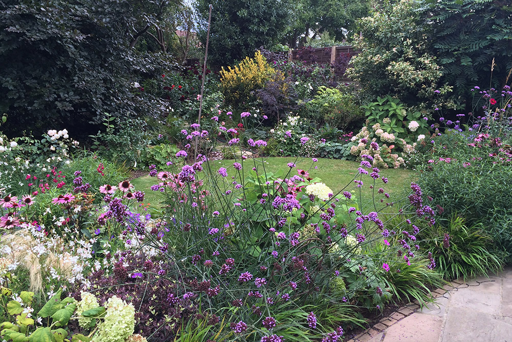 https://greenardendesign.com/wp-content/uploads/2019/09/Planting-Ashford-4.jpg