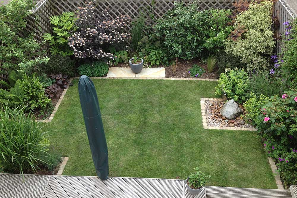 https://greenardendesign.com/wp-content/uploads/2019/09/Small-garden-Worcester-Park-1.jpg