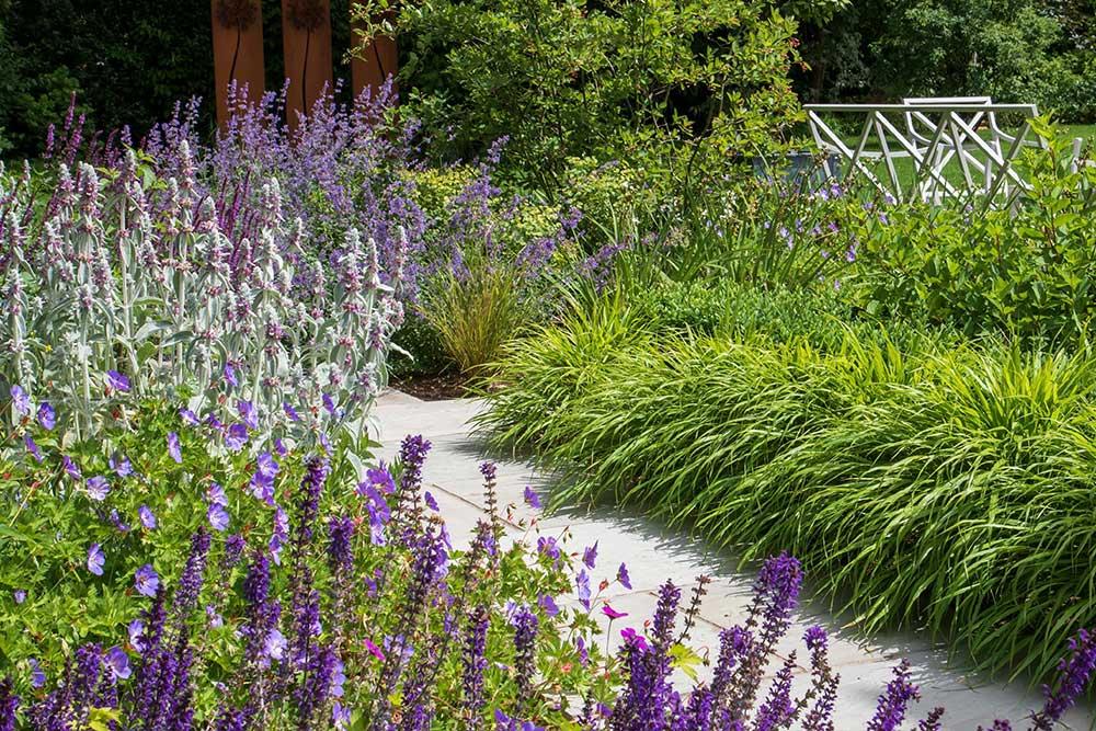 https://greenardendesign.com/wp-content/uploads/2019/09/family-garden-ashtead-2.jpg