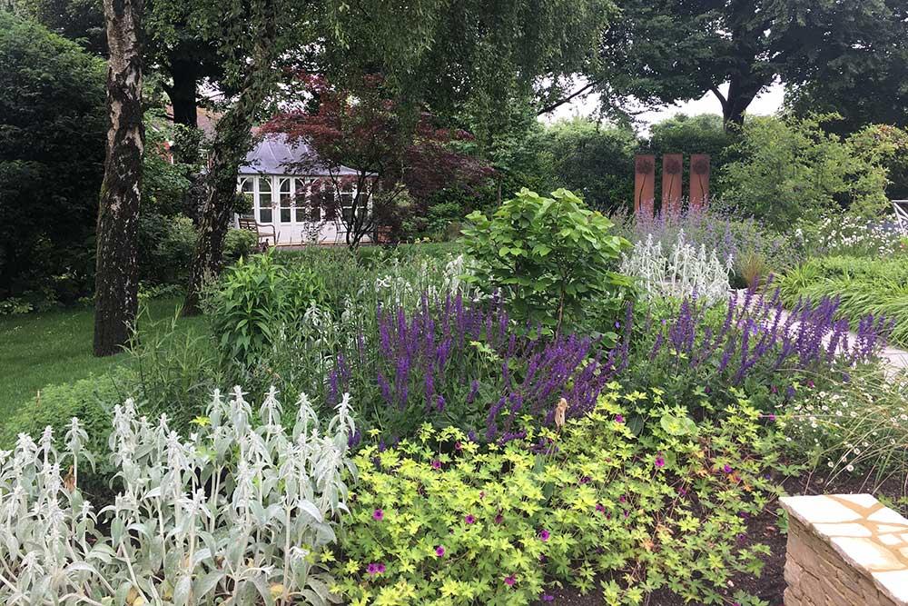 https://greenardendesign.com/wp-content/uploads/2019/09/family-garden-ashtead-6.jpg