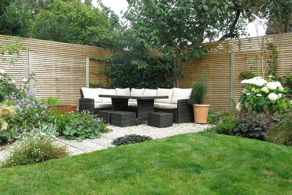 https://greenardendesign.com/wp-content/uploads/2019/09/modern-garden-walton-7.jpg