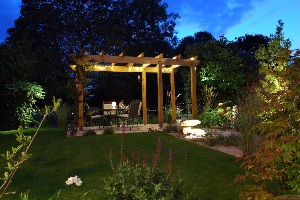 A garden with a view 1, Sunbury
