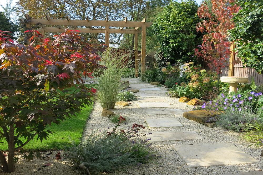 A garden with a view 10, Sunbury
