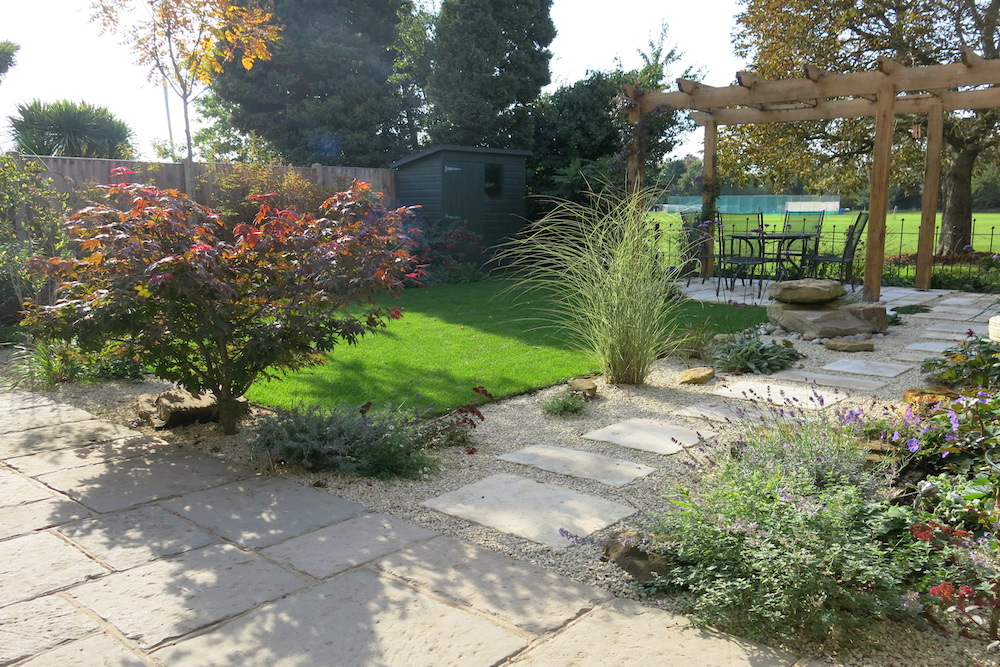 A garden with a view 9, Sunbury
