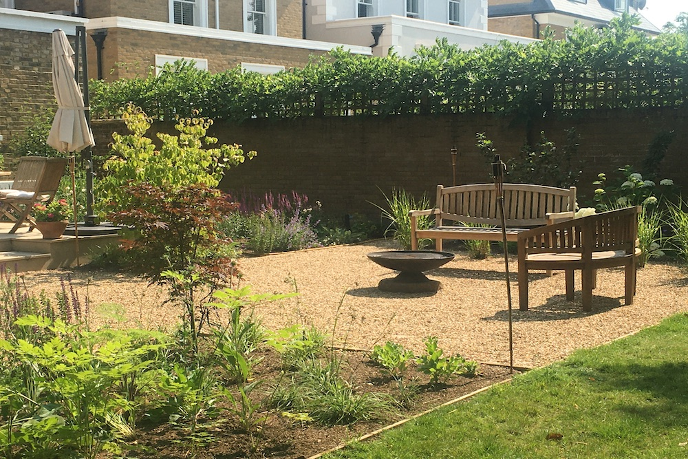 A Terrace to relax and entertain, East Molesey 8